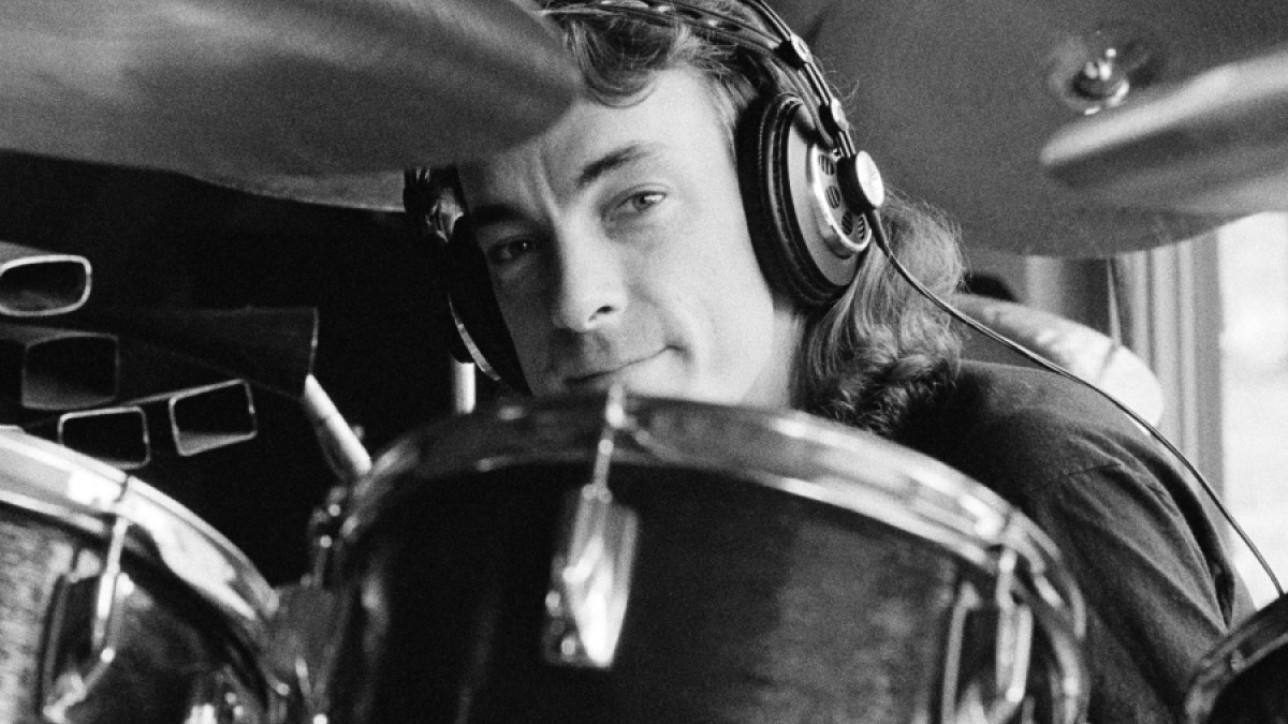 Neil Peart em Setembro de 1979. (Foto: Fin Costello/Redferns)